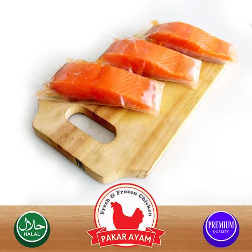 Foto Produk IKAN SALMON FILLET / NORWEGIAN FRESH SALMON PREMIUM QUALITY 200 GRAM dari Pakar Ayam