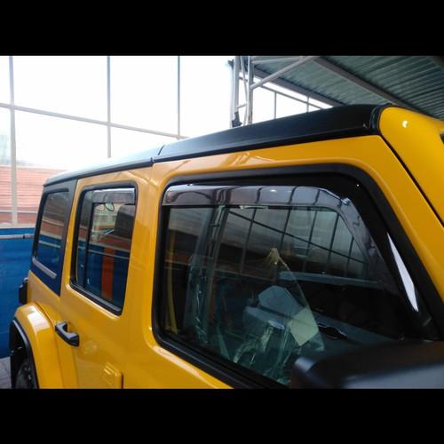 Foto Produk Talang Air Side Window Deflector VENTVISOR Jeep JL Rubicon 4 Door dari PIONIR JEEP