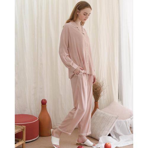 Foto Produk Anna set in Basic Light Pink - Sleepwear / Piyama Baju Tidur Rayon dari Raha Sleepwear