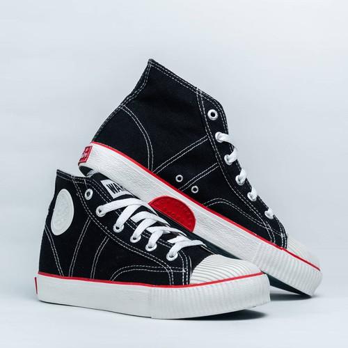 Foto Produk Sepatu Warrior Classic High Cut Black White - Hitam Putih dari yk raya