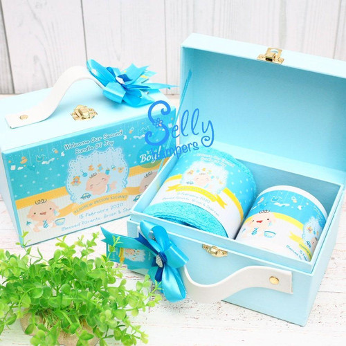 Foto Produk Souvanie baby born. Hampers one month. Baby gift dari Selly Hampers