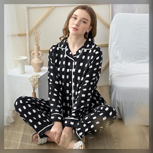 Foto Produk Anna Set in Calm Black - Sleepwear / Piyama Baju Tidur Rayon by RAHA dari Raha Sleepwear