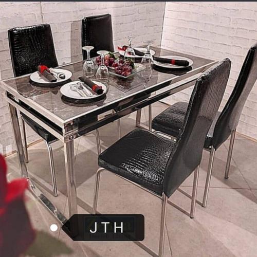 Foto Produk Meja Makan Marmer Rangka Stainless - Hitam dari J T H