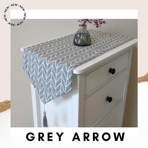 Foto Produk Table Runner 160*32 Canvas Linen / Taplak Meja Tamu Panjang Vintage - Grey Arrow dari Le Carre