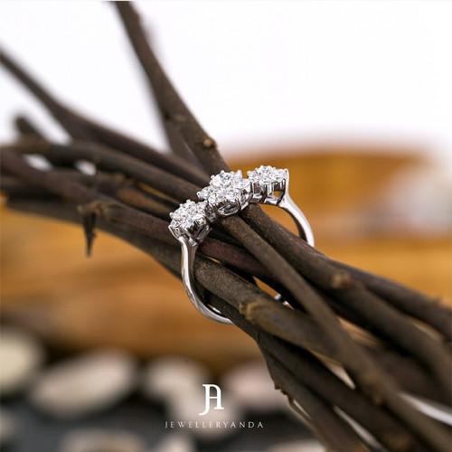 Foto Produk Windflower Ring - Diamond Ring - Jewelleryanda - 10 dari jewelleryAnda_
