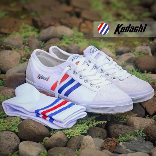 Foto Produk Sepatu Kodachi 8111 + Kaos kaki Old School - Paket MZ3 dari yk raya