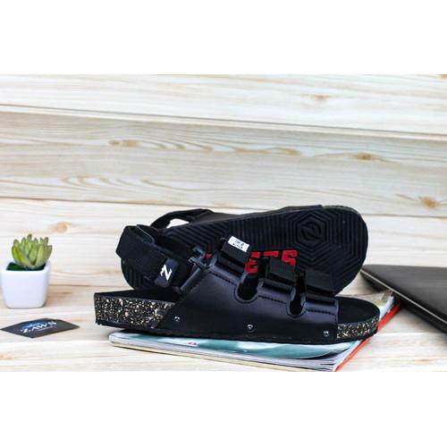 Foto Produk sandal pria terbaru / z awsfootwear// sandal casual - Hitam, 39 dari zawsfootwear