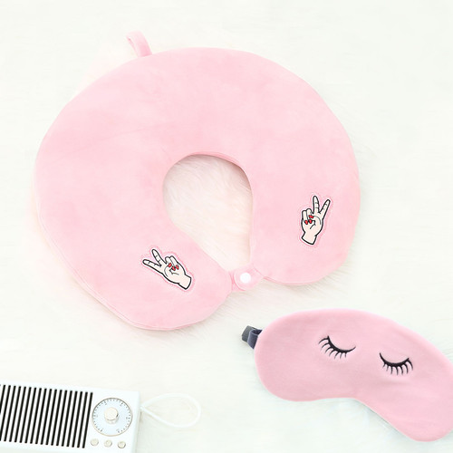 Foto Produk MINISO Bantal Leher Dengan Penutup Mata Eye Mask U Pillow Girl Power - Merah Muda dari Miniso Indonesia