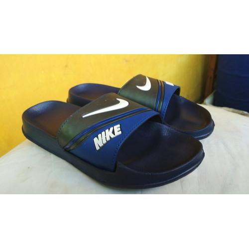 Foto Produk Sandal / Sendal Nike Bennassi Strip Slop SlipOn Pria Cowok - NavyBlack, 39 dari Kimono Mou