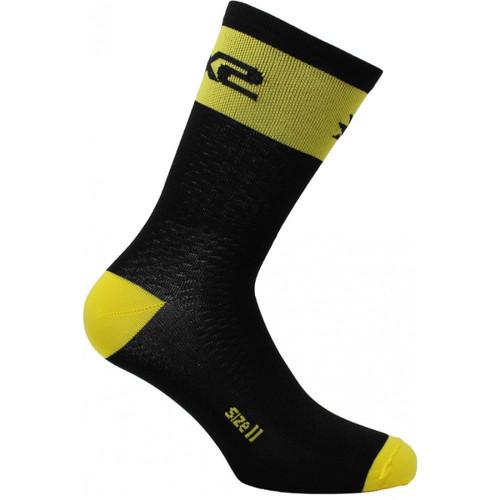 Foto Produk SIX2 Short Logo - Yellow Fluo Size 40/43 dari Thrill Bitz