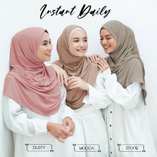 Foto Produk Khimar Daisy Instan Bergo Malay Jersey Premium - Hitam dari gnuahijab