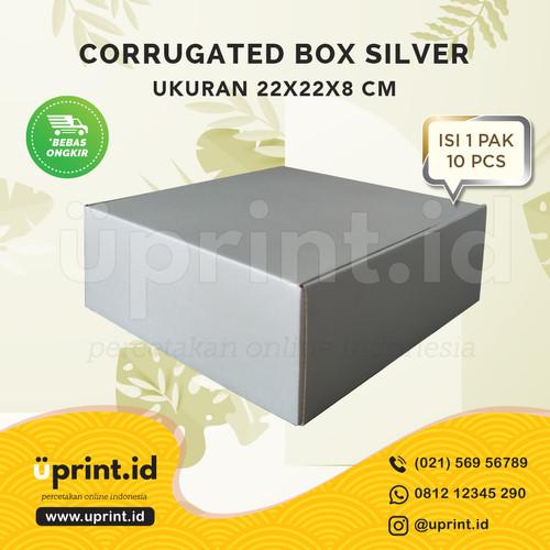 Foto Produk CORRUGATED BOX POLOS  DUS KUE/HAMPERS  22x22x8 READY STOCK SILVER dari Uprint.id