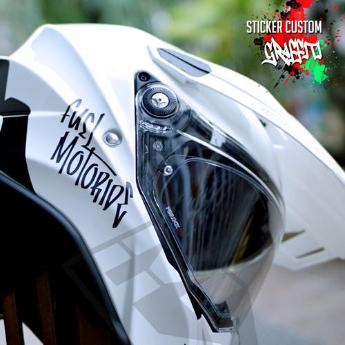 Foto Produk Sticker Custom Nama Graffiti Helm Motor kyt ink zeus gsx cbr r15 pcx dari Fuel