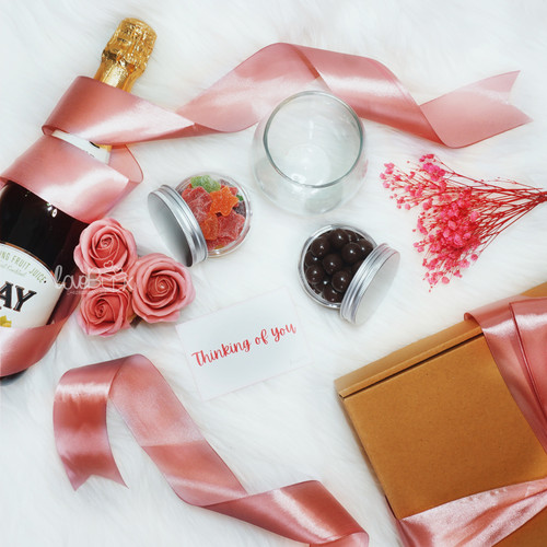 Foto Produk Valentine Lovebox Sparkling Juice | Valentine Hampers dari LoveBoxGiftBox