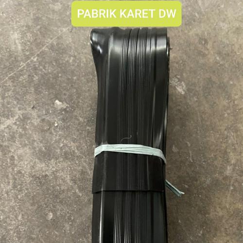 Foto Produk STEP NOSING KARET/ LIST TANGGA / ANTI SLIP - Hitam dari PABRIK KARET DW