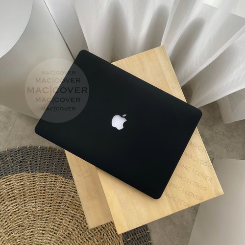 Foto Produk macbook New Air 13 inch A1932 BLACK MATTE Doff cover hard case dari MAC COVER