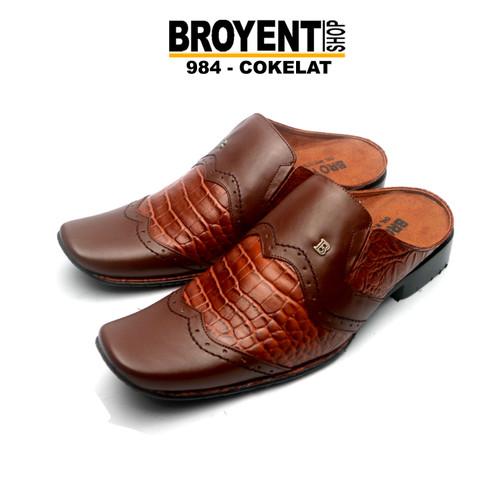 Foto Produk Sepatu Sandal Pria Bustong Kulit Asli Motif Buaya 984 - Hitam, 38 dari Broyent-shop