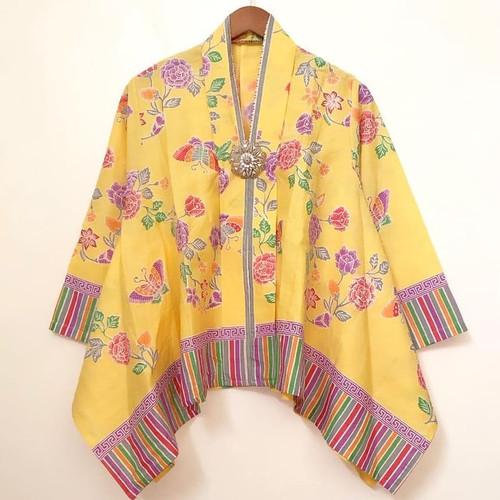 Foto Produk batwing blouse batik encim flowery dari Batik Sri