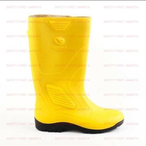 Foto Produk Sepatu AP Boots Kuning Terra - Sepatu Boots Karet - Sepatu Safety APD - 40 dari Safety First Jakarta
