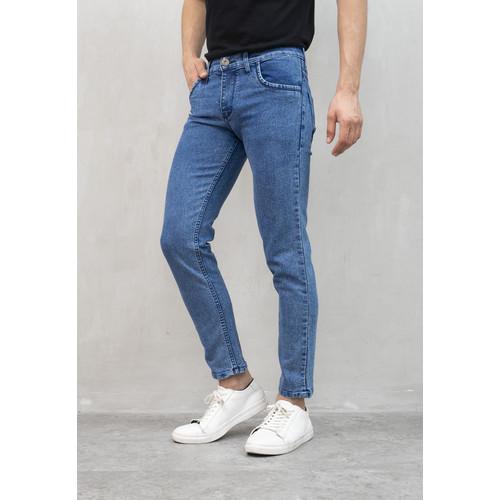 Foto Produk Celana panjang Jeans Slim Fit biru pudar denim pants pria houseofcuff dari House of Cuff