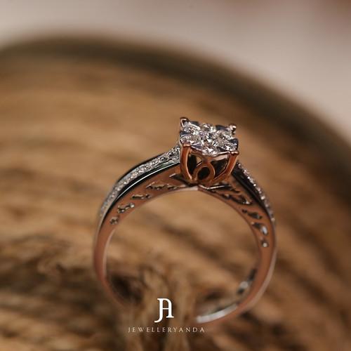 Foto Produk Evonne Ring - Diamond ring - Jewelleryanda - 10 dari jewelleryAnda_
