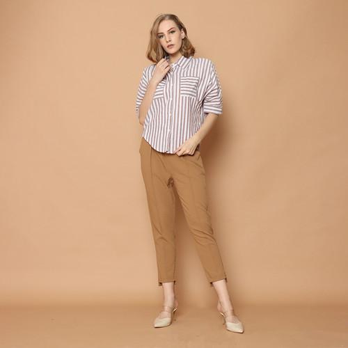 Foto Produk Cammomile Kemeja Wanita 1808001SP RED - Grey Besar, S dari Cammomile FashionLine