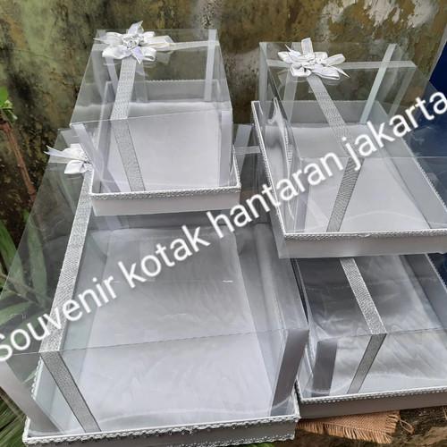Foto Produk kotak hantaran seserahan mika pita isi 4 warna silver (abu abu) dari souvenir kotak hantaran jakarta