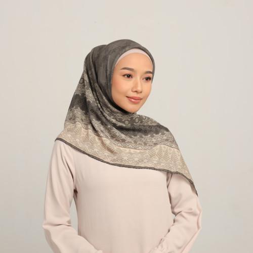 Foto Produk Hijab Wanita Gata Series Diario x Nabila Hatifa - Ash Grey dari diario