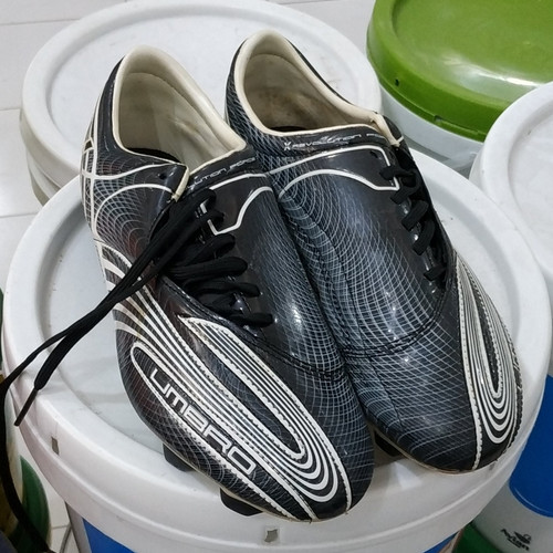 Foto Produk sepatu bola obral umbro revolution fce ii a ktk j fg 886667-090 - 44 dari indoutama