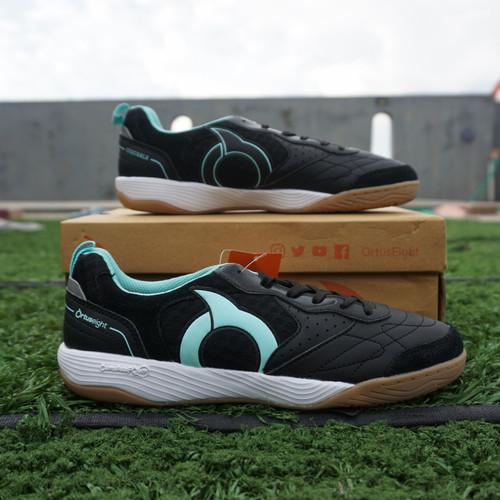 Foto Produk Sepatu Futsal Ortuseight Jogosala Rampage Black Mint Original - 43 dari Scudettee