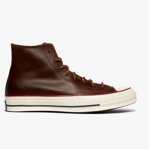 Foto Produk Sepatu Sneakers Pria Converse Colour Leather Chuck 70 High Top-170094C dari Out of The Box