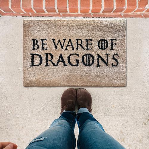 Foto Produk Keset Kaki Handtuft Unik Game of Thrones Beware of Dragons 40x60 cm dari Lanamora