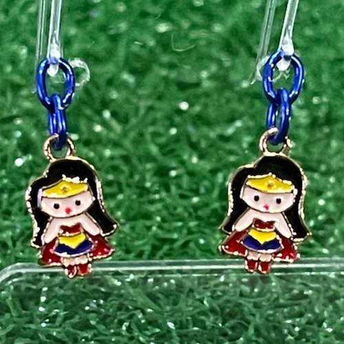Foto Produk Anting Anak mini Wonder Woman dengan kait plastik / Fashion Earrings dari Rita Handycraft