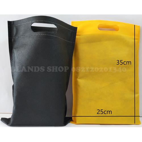 Foto Produk Tas Kain Spunbond Oval 25 x 35 Murah Furing Bag Goodie Bag Oval 25x35 dari Blands Shop
