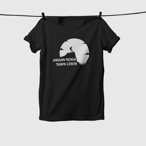 """Foto Produk Tshirt Pendaki Gunung """"Jangan Menua Tanpa Cerita"""" -Kaos Pendaki Gunung - Putih, S dari Kaosan id"""