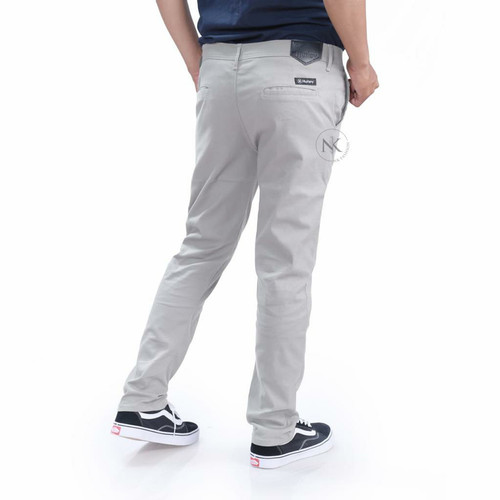 Foto Produk celana chino panjang pria slim fit - cream, 29 dari NK.Fashion
