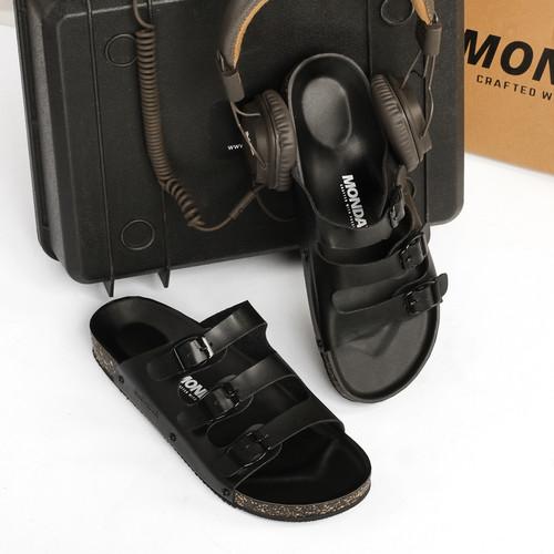 Foto Produk SENDAL PRIA MONDAY LICHT FULL BLACK TOTOSURYO x MONDAY FOOTWEAR dari Toto_Suryo