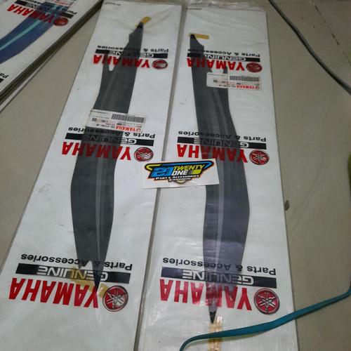 Foto Produk graphic 3 dan 4 stiker striping mio lama sporty 2007 hitam 5tl dari CA nouvo parts