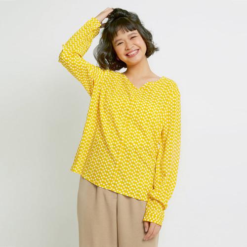 Foto Produk Hickies Baju Atasan Wanita Kerah V-Neck Arumi Basic Blouse Yellow Patc - Kuning, M dari Alibi Paris