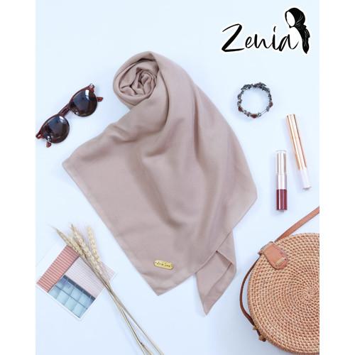 Foto Produk Hijab / Jilbab / Voal Ultrafine Premium Segiempat Polos Jahit Tepi - Creamy dari Zenia_Scarf