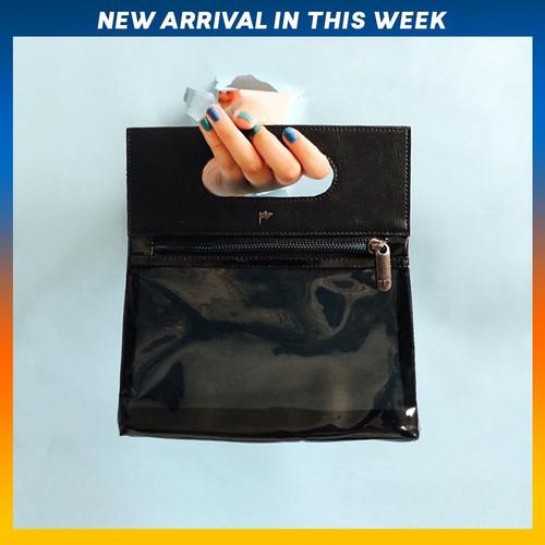 Foto Produk HAND BAG TFG LITTLE KOWLOON 506 GLASSY - Hitam dari TFG (Taylor Fine Goods)