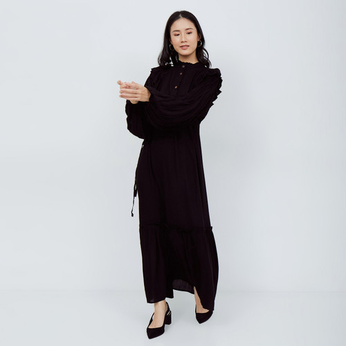 Foto Produk NONA Autumn Dress Maxi Black - Tokopedia Fashion Week dari nona_ind