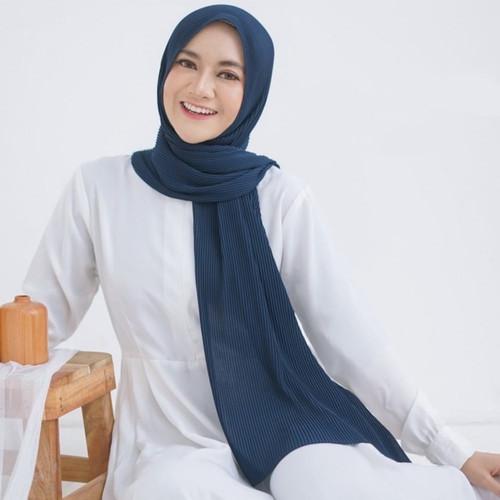 Foto Produk Pashmina Plisket Ceruty Babydoll Premium - nevy, pnjng175Lebar75 dari hijab222