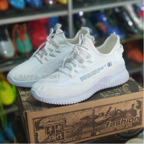 Foto Produk Sepatu Olaharaga Lari Pria dari Raffa-Sport