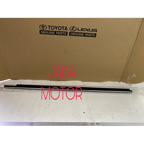 Foto Produk Pelipit kaca-Pelipit pintu luar Camry SXV20-MCV20 depan kiri original dari JABA MOTOR TOYOTA