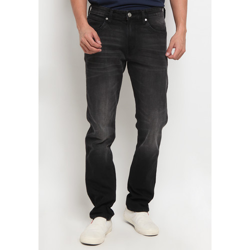 Foto Produk Wrangler Greensboro Jeans GRNBRSP7BC02P21 Black - 32, Hitam dari Wrangler Indonesia
