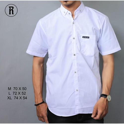 Foto Produk kemeja hitam polos pria lengan pendek   baju cowok slimfit   kemeja - Putih, M dari slowzer daily wear