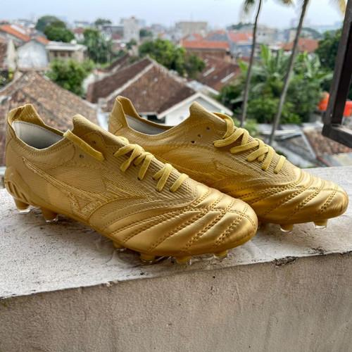 Foto Produk Sepatu Bola Mizuno Morelia Neo 3 Beta Leather Gold dari indosportshoes