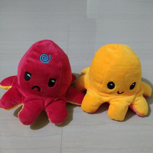 Foto Produk boneka gurita tiktok, cumi-cumi, ubur ubur bolak balik - merah Kuning dari D Razka