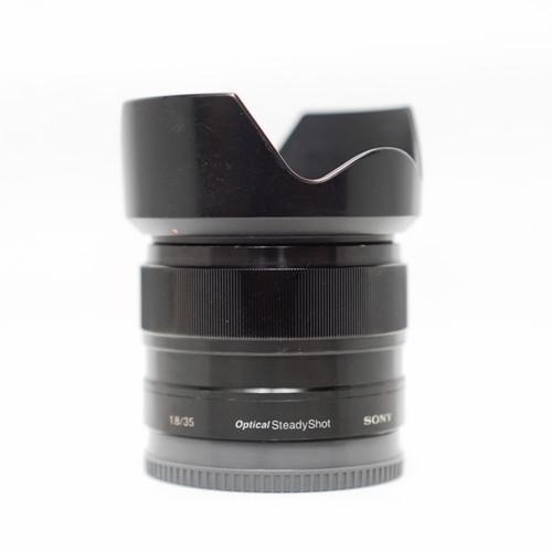 Foto Produk Lensa Sony E 35mm f1.8 OSS - Hitam dari Gofistore